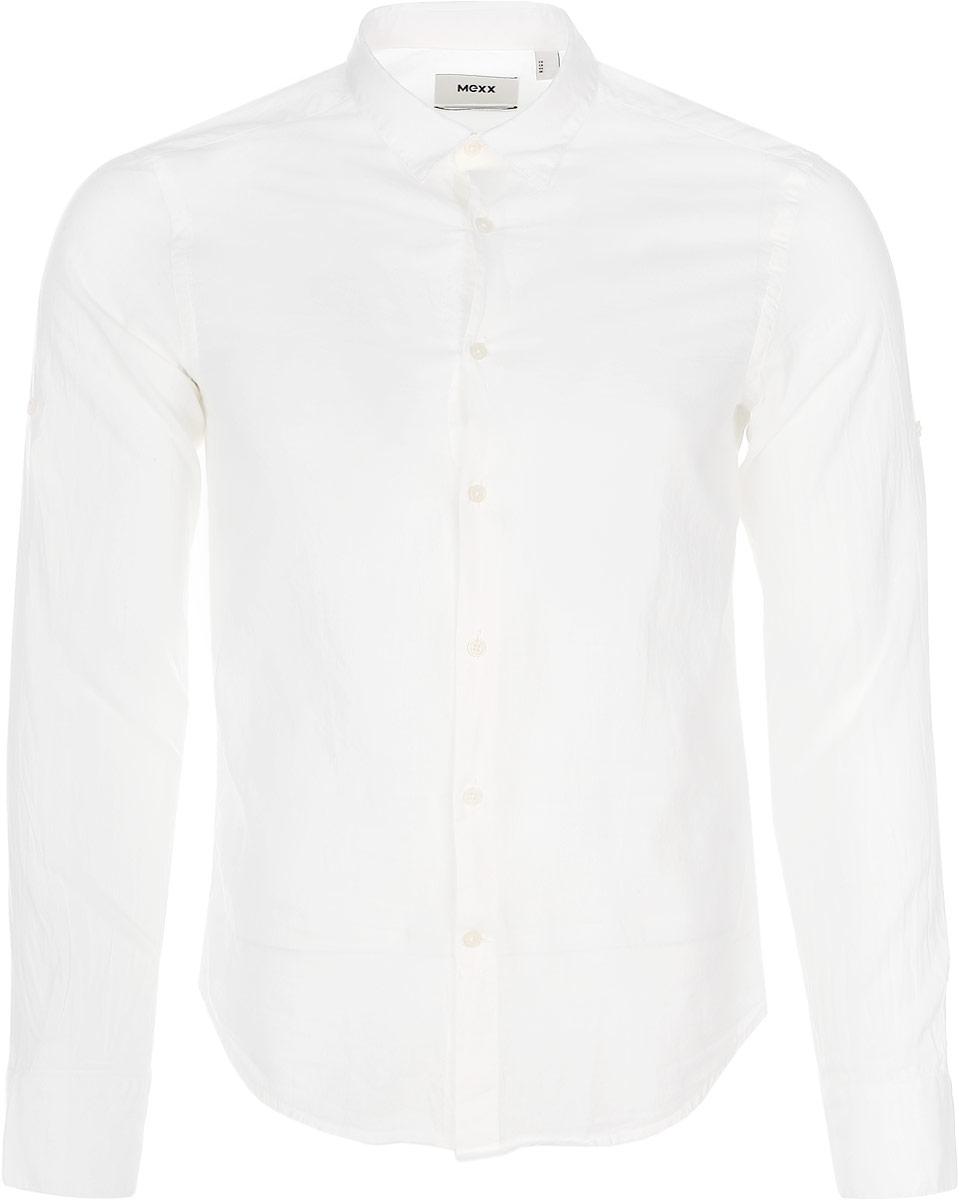 MX3021236_MN_SHG_004Мужская хлопковая рубашка Mexx подчеркнет ваш вкус и поможет создать стильный образ. Материал изделия тактильно приятный, позволяет коже дышать, не стесняет движений, обеспечивая комфорт при носке. Рубашка с отложным воротником и длинными рукавами застегивается на пуговицы по всей длине. Модель имеет слегка приталенный силуэт. На манжетах предусмотрены застежки-пуговицы. Такая рубашка займет достойное место в вашем гардеробе!