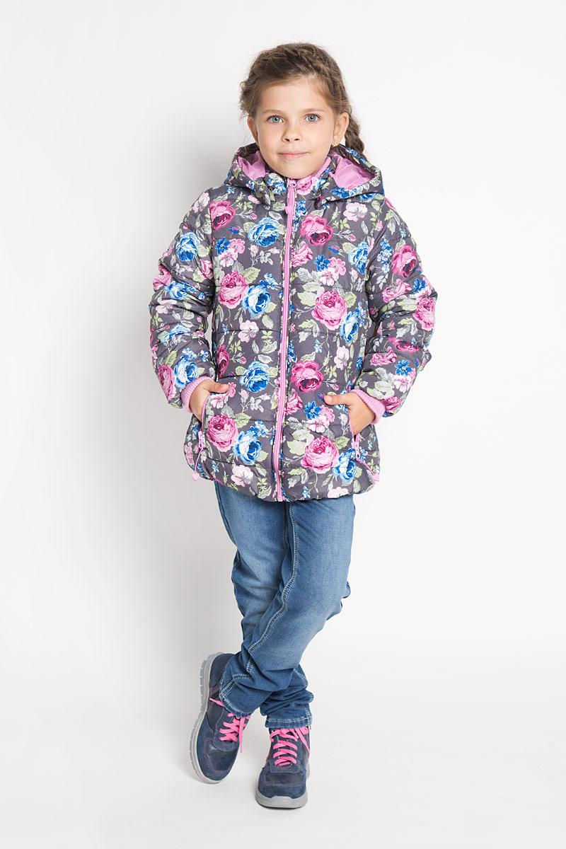 Куртка362052Утепленная куртка для девочки PlayToday идеально подойдет для ребенка в прохладное время года. Куртка изготовлена из водоотталкивающей и ветрозащитной ткани и утеплена синтепоном (100% полиэстер). В качестве подкладки также используется 100% полиэстер. Куртка с капюшоном и небольшим воротником-стойкой застегивается на пластиковую застежку-молнию и дополнительно имеет внутренний ветрозащитный клапан, а также защиту подбородка. Капюшон удобно утягивается стоплерами и в случае необходимости его можно отстегнуть. Низ рукавов обработан широкими трикотажными манжетами, не стягивающими запястья. Спереди курточка дополнена двумя прорезными карманами на застежках-молниях. Понизу изделие присборено на эластичную резинку. Модель оформлена нежным цветочным принтом. В такой куртке ваша маленькая принцесса будет чувствовать себя комфортно, уютно и всегда будет в центре внимания!
