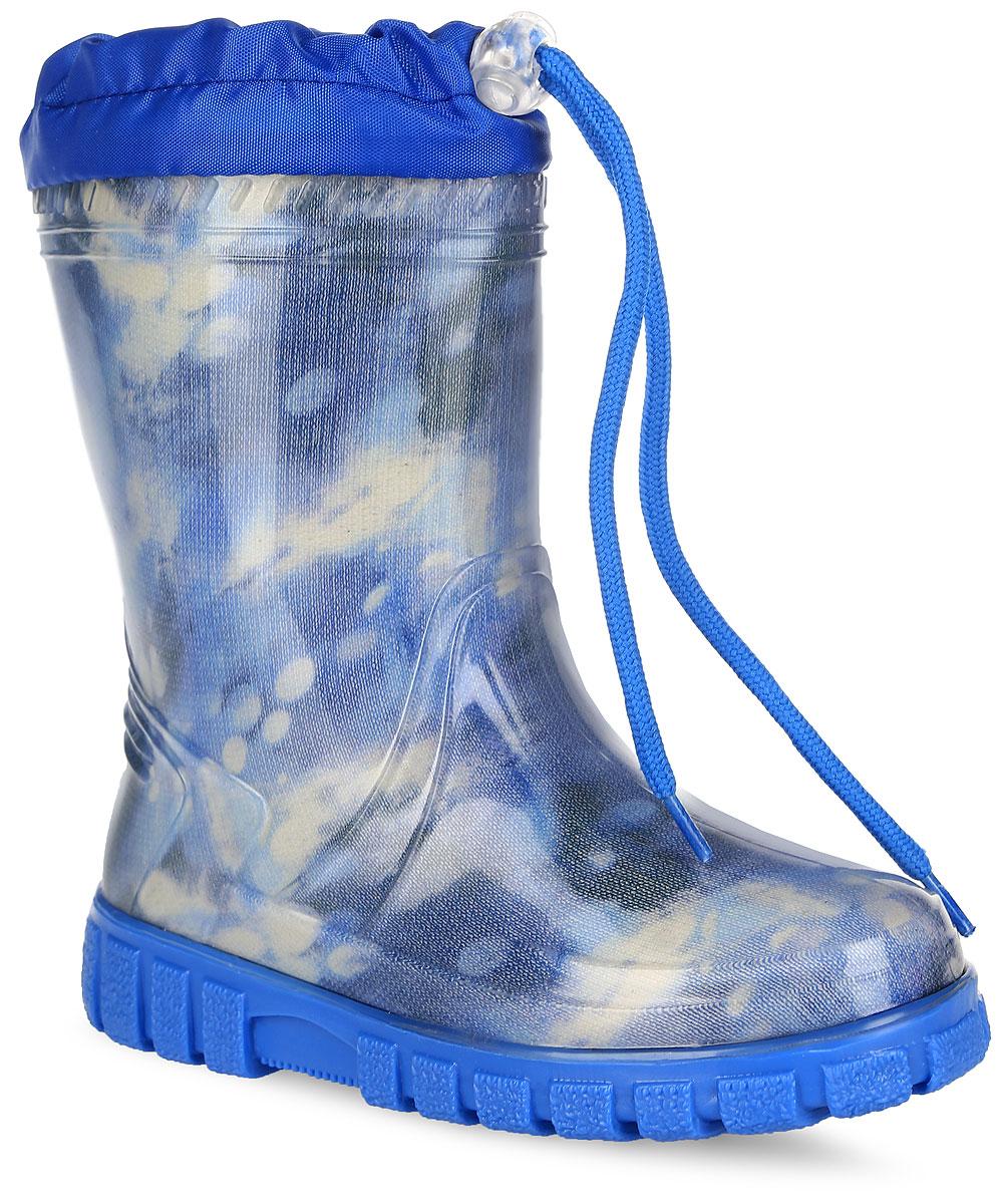 Резиновые сапоги для мальчика. 10741-510741-5Стильные резиновые сапоги от фирмы Зебра - идеальная обувь для прогулки в ненастную погоду. Модель выполнена из качественного ПВХ и оформлена оригинальным принтом. Модель дополнена текстильным верхом, объем которого регулируется за счет шнурка с фиксатором. Подкладка выполнена из искусственной шерсти, которая обеспечит тепло. Съемная стелька из войлока гарантирует комфорт при носке. Рельефная подошва гарантирует отличное сцепление с любой поверхностью. Такие оригинальные и практичные резиновые сапоги займут достойное место в гардеробе вашего мальчика.