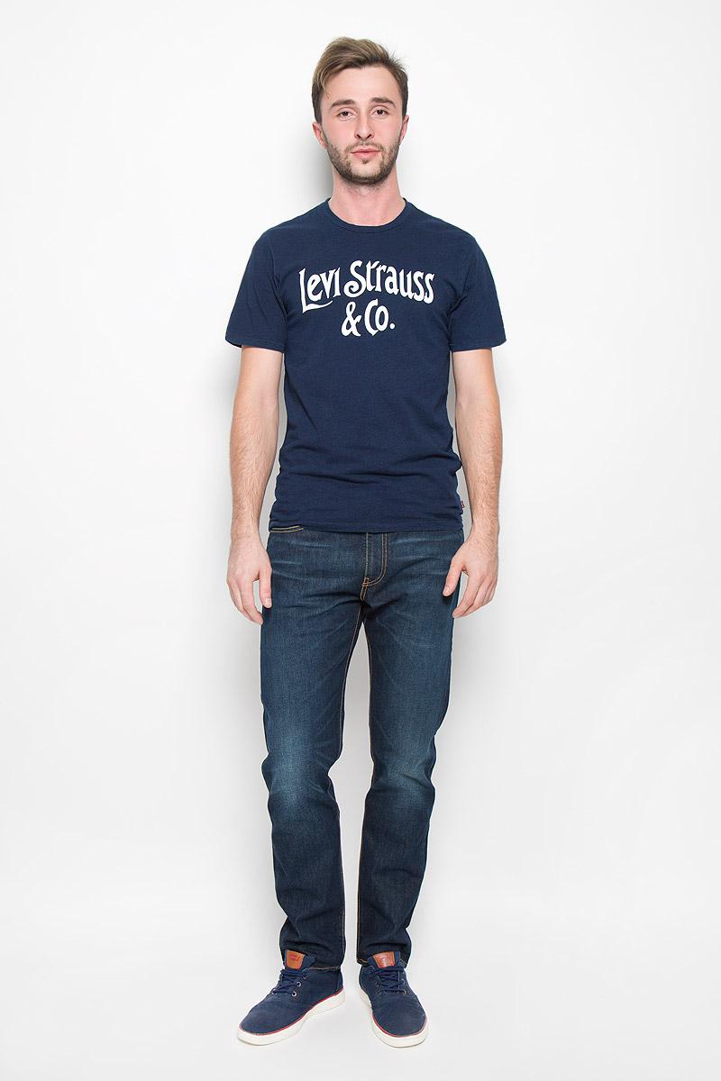 2249100850Стильная мужская футболка прямого покроя Levis®, выполненная из 100% хлопка, обладает высокой теплопроводностью, воздухопроницаемостью и гигроскопичностью, позволяет коже дышать. Модель с короткими рукавами и круглым вырезом горловины - идеальный вариант для создания образа в стиле Casual. Футболка оформлена контрастным принтом Такая модель подарит вам комфорт в течение всего дня и послужит замечательным дополнением к вашему гардеробу.
