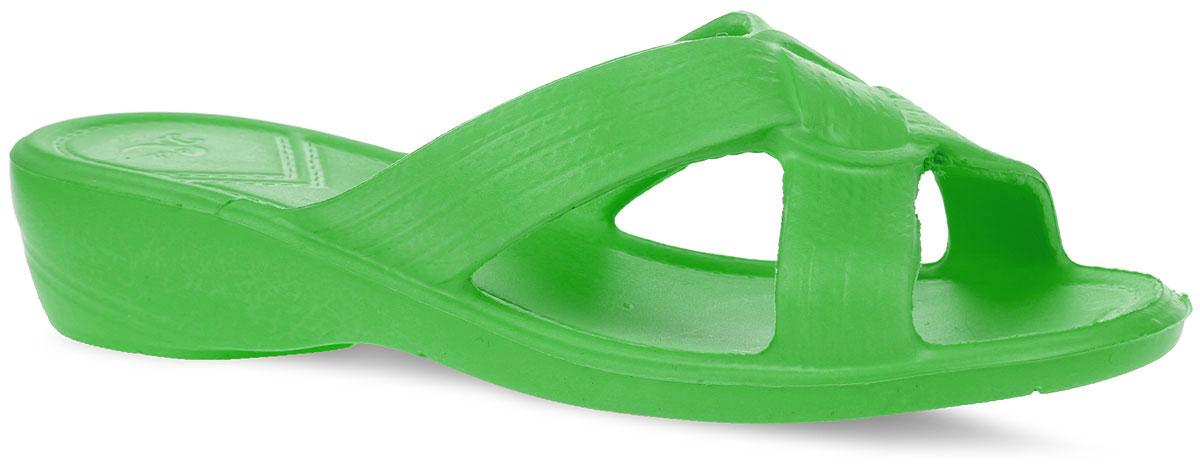 Шлепанцы женские. 315315Комфортные женские шлепанцы от Дюна не оставят вас равнодушной. Верх изделия выполнен из ЭВА (этиленвинилацетат). Рифление на верхней поверхности подошвы предотвращает выскальзывание ноги и обеспечивает легкий массажный эффект. Рельефная подошва обеспечивает сцепление с любой поверхностью. Практичные шлепанцы покорят вас своим дизайном и удобством!