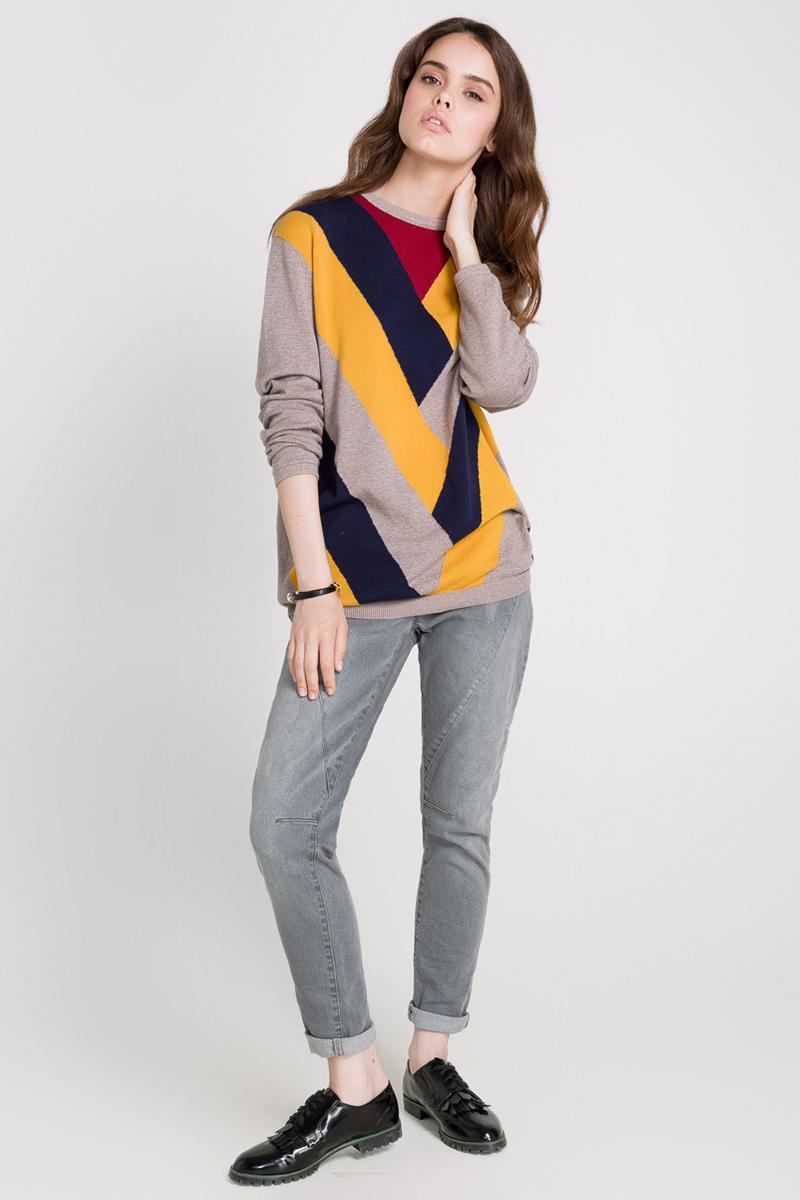 Джемпер10200310063_800Джемпер женский Concept Club Dahlia выполнен из натурального хлопка. Модель с круглым вырезом горловины и длинными рукавами. Низ изделия связан резинкой. Джемпер спереди оформлен геометрическим принтом в контрастных цветах.