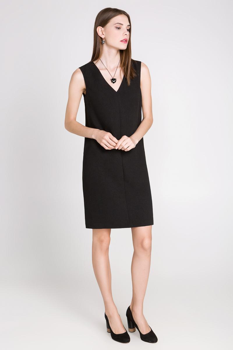 Платье10200200166_3100Платье Concept Club Spyd выполнено из 100% полиэстера. Верх модели дополнен подкладкой из полиэстера. Платье-миди свободного кроя с V-образным вырезом горловины оформлено фигурным вырезом на спинке.