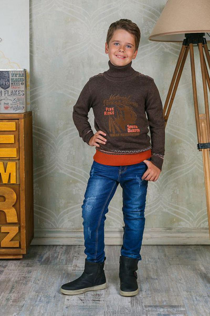 Джинсы206720Стильные джинсы для мальчика Luminoso идеально подойдут юному моднику. Изготовленные из эластичного хлопка, они мягкие и приятные на ощупь, не сковывают движения и позволяют коже дышать, обеспечивая наибольший комфорт. Джинсы на талии застегиваются на комбинированную застежку, а также шлевки для ремня. Спереди расположены два втачных кармана и один маленький накладной, сзади - два накладных кармана. Современный дизайн и расцветка делают эти джинсы модным и удобным предметом детского гардероба. В них ребенок всегда будет в центре внимания!