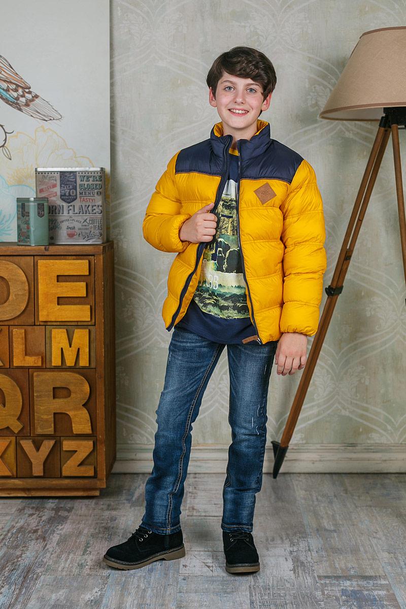 Джинсы206734Стильные джинсы для мальчика Luminoso идеально подойдут юному моднику. Изготовленные из эластичного хлопка, они мягкие и приятные на ощупь, не сковывают движения и позволяют коже дышать, обеспечивая наибольший комфорт. Джинсы на талии застегиваются на комбинированную застежку, а также имеются шлевки для ремня. Спереди расположены два втачных кармана и один маленький накладной, сзади - два накладных кармана. Современный дизайн и расцветка делают эти джинсы модным и удобным предметом детского гардероба. В них ребенок всегда будет в центре внимания!
