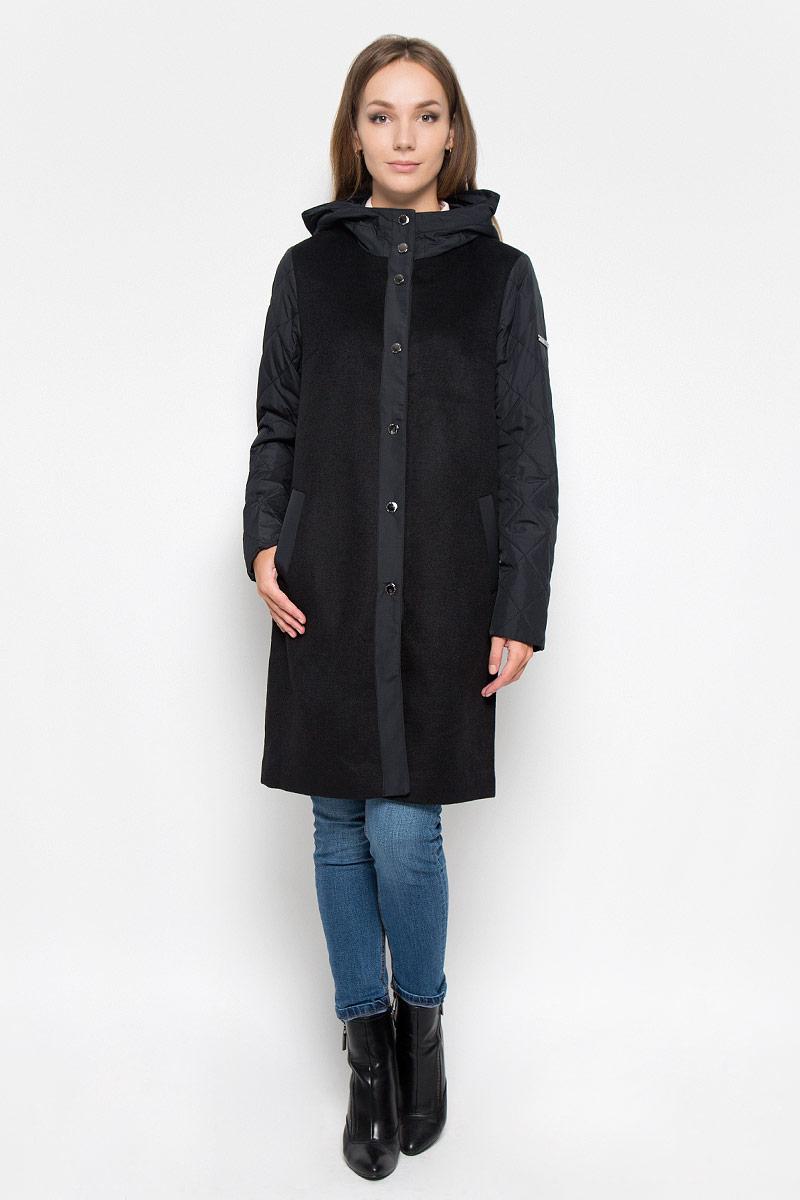 ПальтоA16-32062_200Стильное женское пальто Finn Flare, выполненное из полиэстера и шерсти, оформлено вставками из полиэстера. Подкладка выполнена из полиэстера. Модель с капюшоном и длинными рукавами спереди застегивается на кнопки. Изделие дополнено двумя прорезными карманами. На левом рукаве расположена небольшая металлическая нашивка с логотипом Finn Flare. Это модное пальто послужит отличным дополнением к вашему гардеробу!
