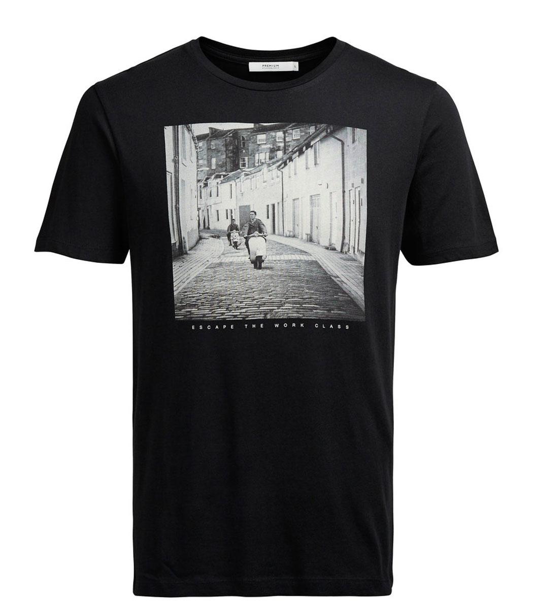 12109962_BlackМужская футболка Jack & Jones с короткими рукавами и круглым вырезом горловины выполнена из натурального хлопка. Футболка украшена крупным принтом с изображением черно-белой фотографии и надписи Escape The Work Class спереди.