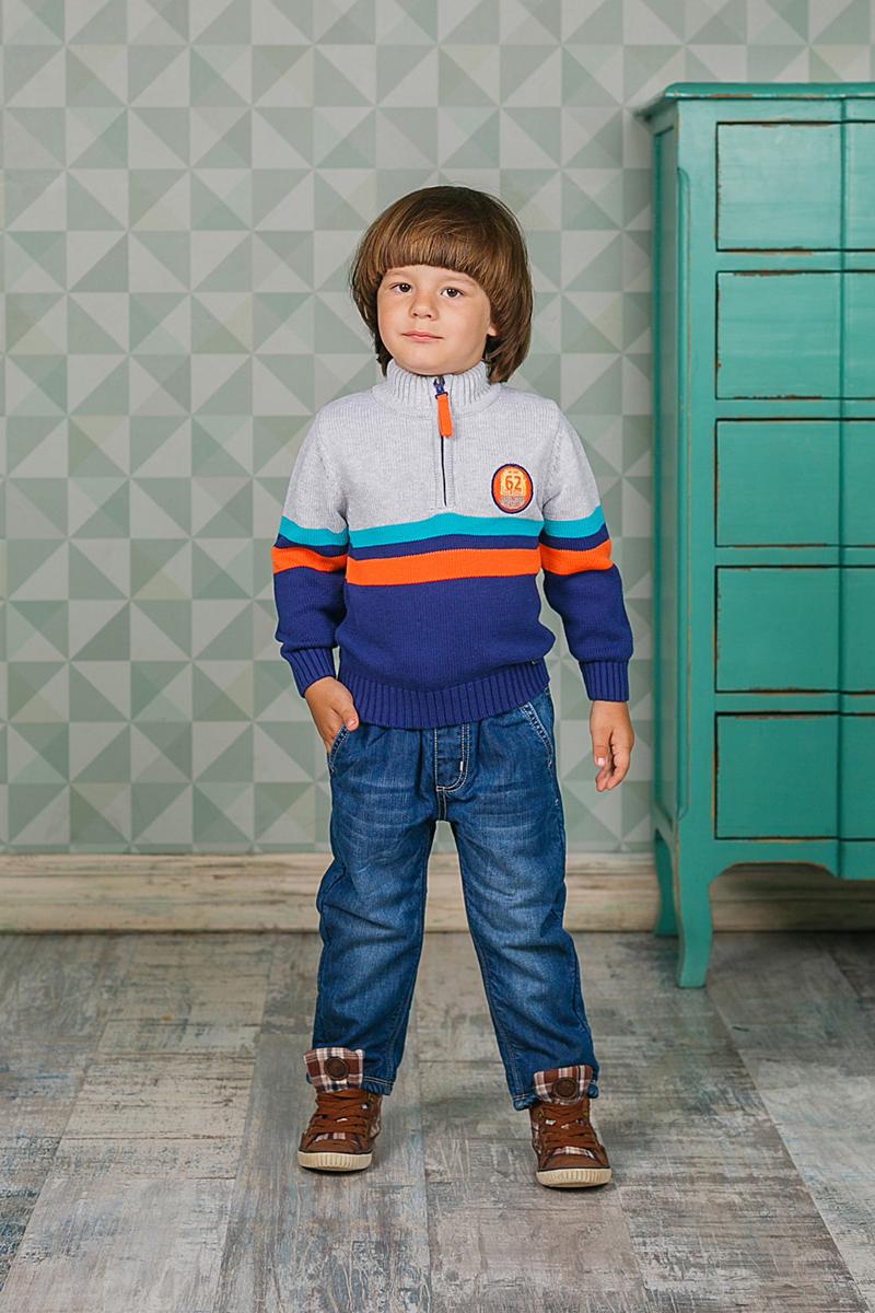 Свитер206120Теплый вязаный свитер Sweet Berry для мальчика идеально подойдет вашему ребенку в прохладные дни. Уютный свитер с длинными рукавами имеет высокий воротник. Сверху застегивается на молнию. Низ рукавов, воротник и низ изделия дополнены вязаной крупной резинкой.