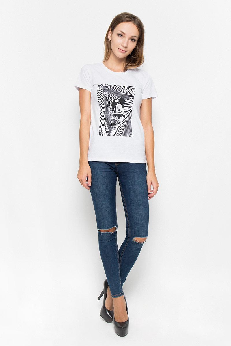 Футболка44400Женская футболка RHS Disney, выполненная из натурального хлопка, поможет создать отличный современный образ в стиле Casual. Футболка с круглым вырезом горловины и короткими рукавами. Модель оформлена термоаппликацией в виде изображения Микки Мауса. Такая футболка станет стильным дополнением к вашему гардеробу, она подарит вам комфорт в течение всего дня!