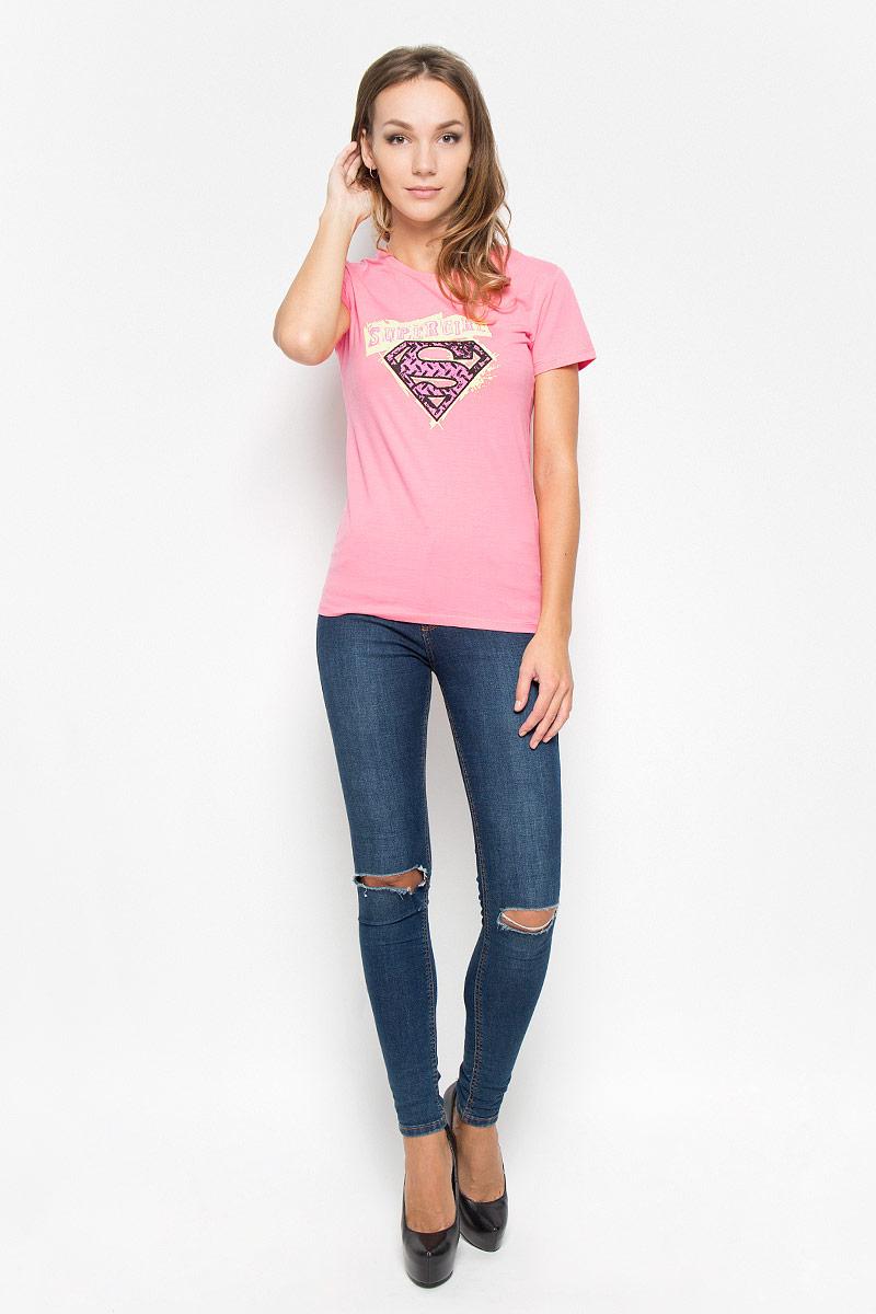 44410Женская футболка RHS Superman, выполненная из натурального хлопка, поможет создать отличный современный образ в стиле Casual. Футболка с круглым вырезом горловины и короткими рукавами. Модель оформлена принтом со знаком в стиле супермена и надписью Super Girl. Такая футболка станет стильным дополнением к вашему гардеробу, она подарит вам комфорт в течение всего дня!