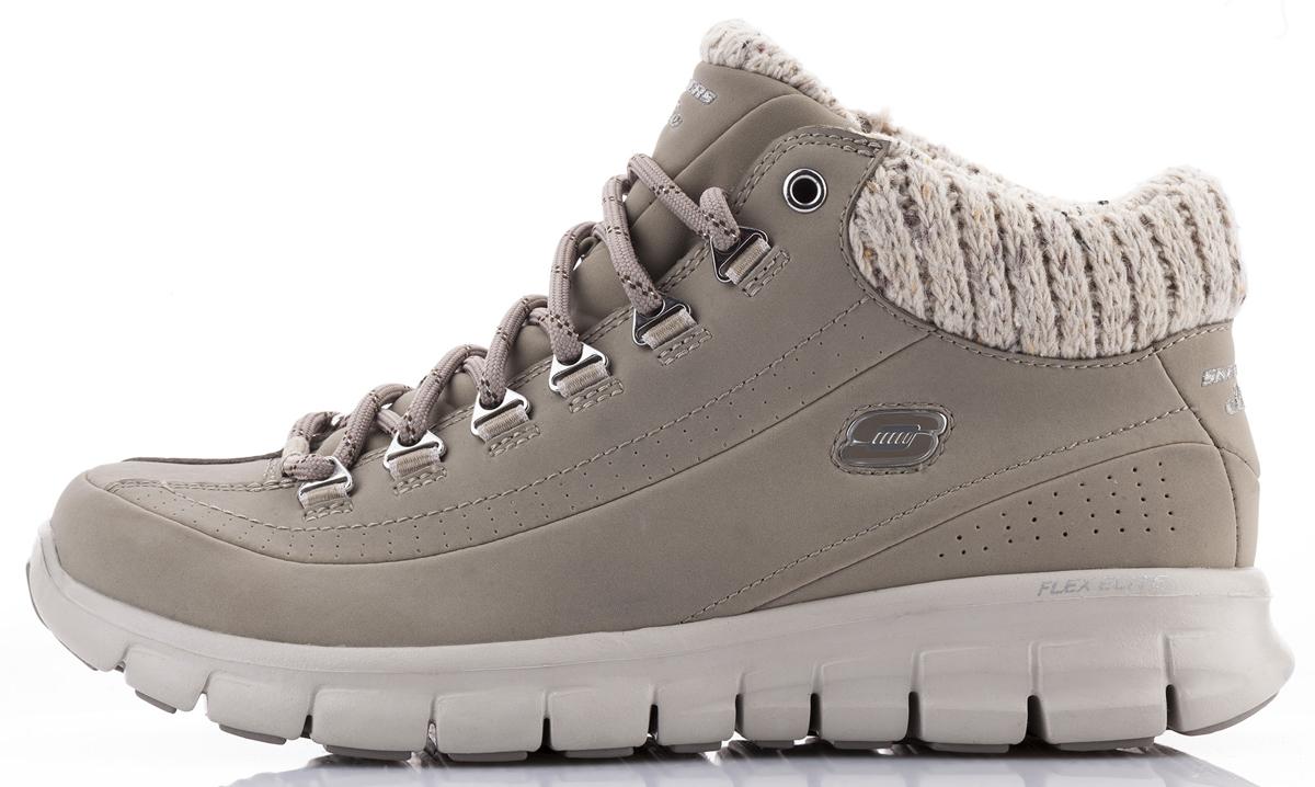 Ботинки12122-BBKЖенские ботинки Skechers Synergy-Winter Nights выполнены из натуральной кожи и дополнены текстильной вязаной вставкой. Обувь фиксируется на ноге при помощи классической шнуровки. Подкладка выполнена из текстильного материала. Стелька из вспененного полимера с эффектом памяти превосходно сохраняет тепло благодаря флисовому покрытию. Подошва из резины дополнена рифлением.