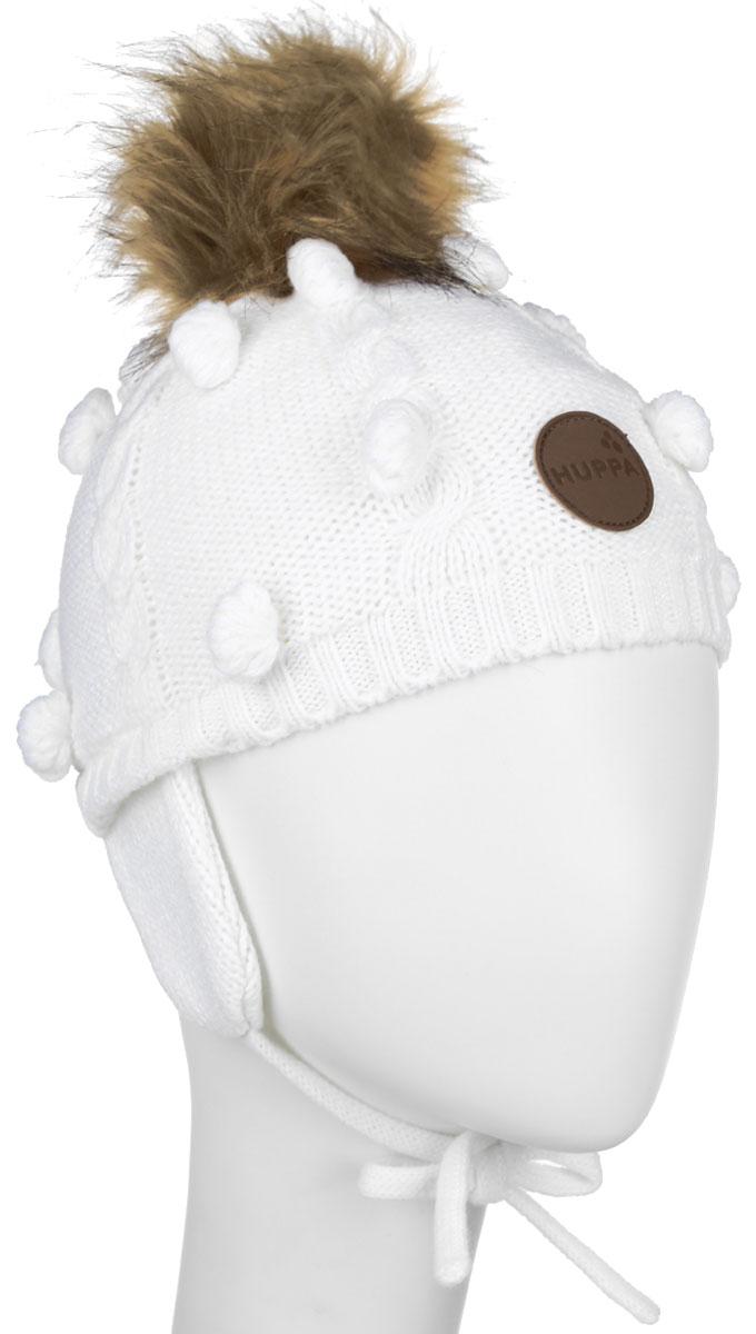 83570000-60013Вязанная детская шапочка Huppa Macy станет отличным дополнением к детскому гардеробу. Верх изделия изготовлен из 100% акрила, а подкладка из качественного хлопка, что обеспечивает тепло и комфорт. Благодаря эластичной вязке, шапка идеально прилегает к голове ребенка. Шапка оформлена вязанным узором, на макушке модель имеет мягкий меховой помпон. Изделие завязывается на шнурочки, пришитые сбоку к удлиненным ушкам, тем самым обеспечивает тепло в холодную погоду и защищает детские ушки от холода. Дополнена шапочка нашивкой с названием бренда. Оригинальный дизайн и расцветка делают эту шапку стильным предметом детского гардероба. В ней ребенку будет тепло, уютно и комфортно. Уважаемые клиенты! Размер, доступный для заказа, является обхватом головы.
