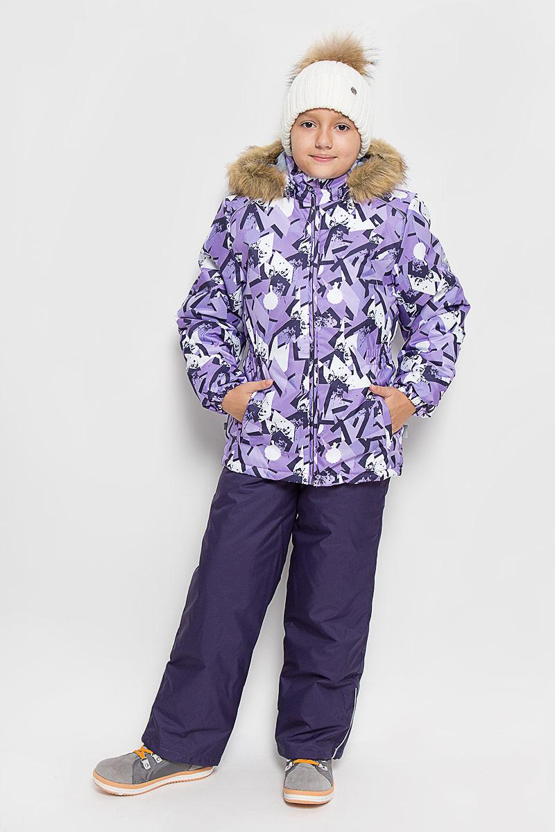 Комплект верхней одежды41950030-63463Комплект верхней одежды для девочки Huppa Wonder состоит из куртки и полукомбинезона. Комплект выполнен из водонепроницаемой и ветрозащитной ткани. Ткань с обратной стороны покрыта слоем полиуретана с микропорами, который препятствует прохождению воды и ветра, но в то же время, позволяет испаряться влаге, выделяемой телом. Материал имеет высокие показатели износостойкости. Сплетения волокон в тканях выполнены по специальной технологии, которая придает ткани прочность и предохраняет от истирания. В качестве наполнителя используется HuppaTerm - высокотехнологичный легкий синтетический утеплитель нового поколения. Уникальная структура микроволокон не позволяет проникнуть внутрь холодному воздуху, в то же время удерживая теплый между волокнами, обеспечивая высокую теплоизоляцию. Основные швы проклеены водостойкой лентой. Изделие легко стирается и быстро сохнет. Куртка с капюшоном и воротником-стойкой застегивается на пластиковую молнию с защитой подбородка. Модель...