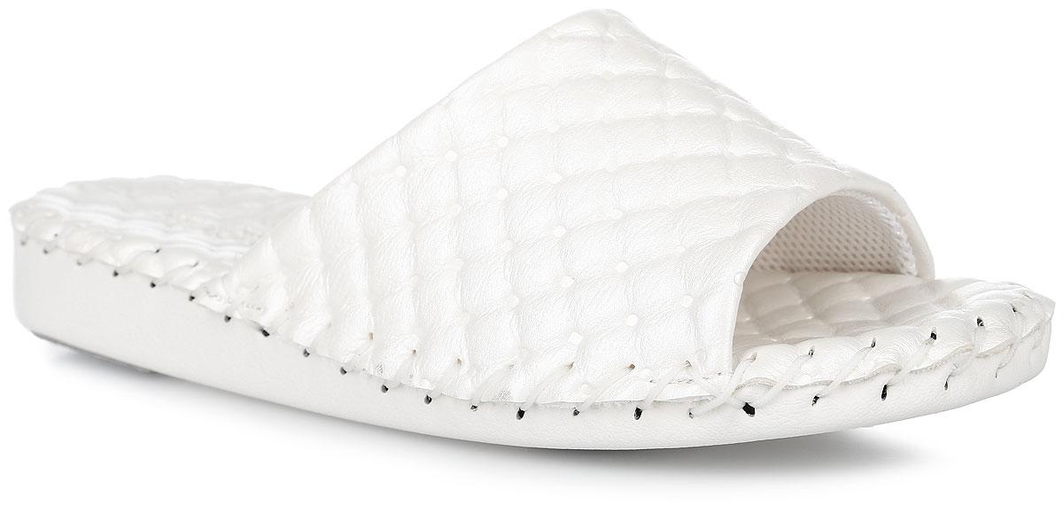 9384_IvoryДомашняя обувь от Pansy - стандарт технологий комфорта из Японии: Mould - тапки Pansy проектируется и изготавливается по технологии современной модельной обуви: многослойная подошва и обувные материалы, обеспечивают функциональность модельной обуви при весе одного тапка от 100 до max 150 г . 3 Point - японская ортопедическая подошва снижает нагрузку на основные опорные точки, уменьшает разогрев стопы и поддерживает ее в оптимальном положении. Aerolite - технология фирмы Teijin Cordley Ltd. по изготовлению искусственной кожи с заранее заданными свойствами. Волокна аэрокапсульного волокна с включениями пузырьков воздуха выращивают с параметрами превышающие характеристики натуральной кожи по массе, гигроскопичности и износостойкости. Cool Max - сетка, используемая для быстрого отвода и испарения влаги, снижения температуры на особо нагруженных поверхностях по патенту фирмы Toray Inc. Zeomix - глубокая антибактериальная обработка ионами серебра по...