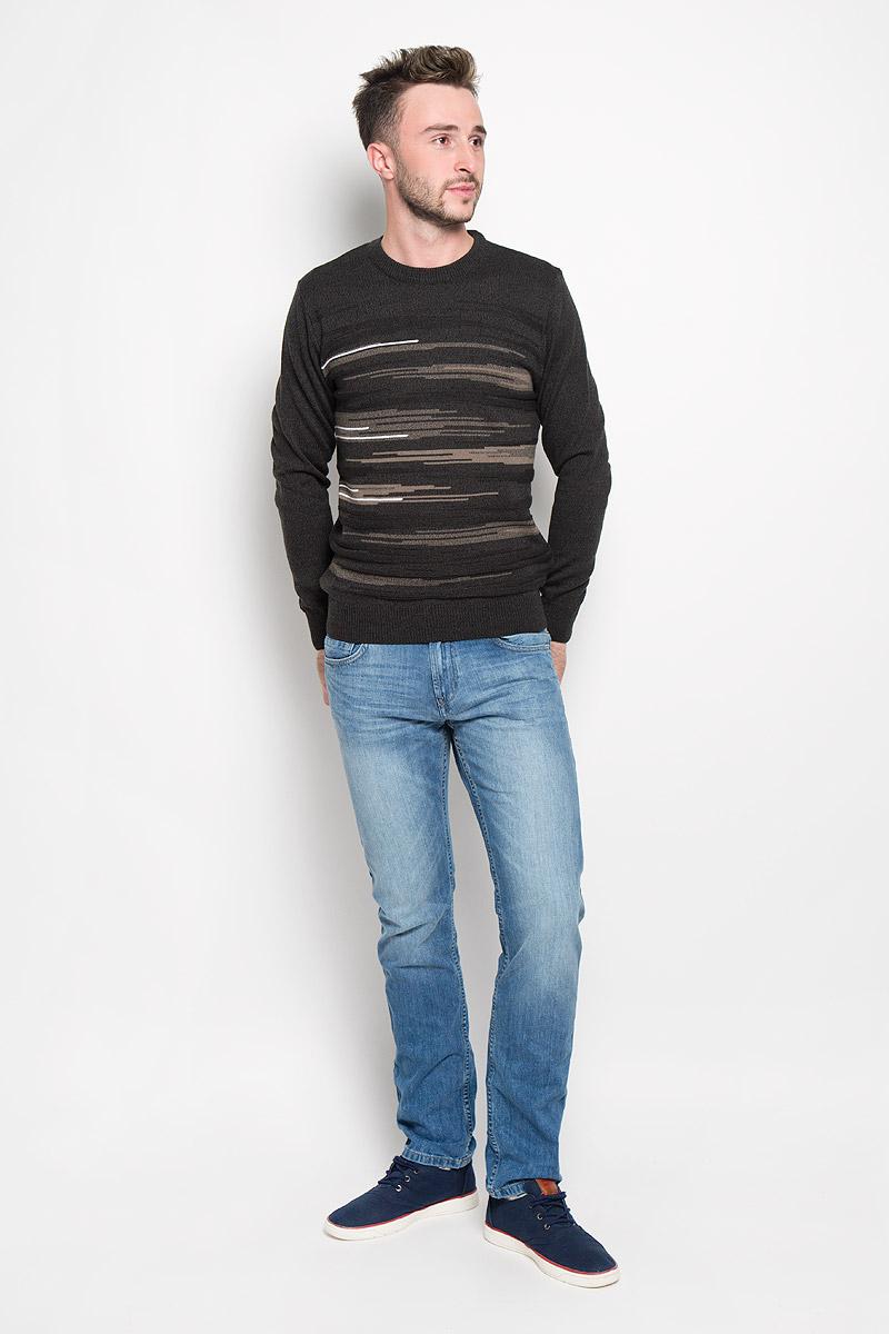 1666Стильный мужской джемпер Finn Flare, выполненный из высококачественного материала, необычайно мягкий и приятный на ощупь, не сковывает движения, обеспечивая наибольший комфорт. Модель с круглым вырезом горловины и длинными рукавами идеально гармонирует с любыми предметами одежды и будет уместен и на отдых, и на работу. Низ изделия, горловина и манжеты связаны широкой резинкой, что предотвращает деформацию при носке. Мягкий и уютный джемпер станет прекрасным дополнением вашего гардероба.