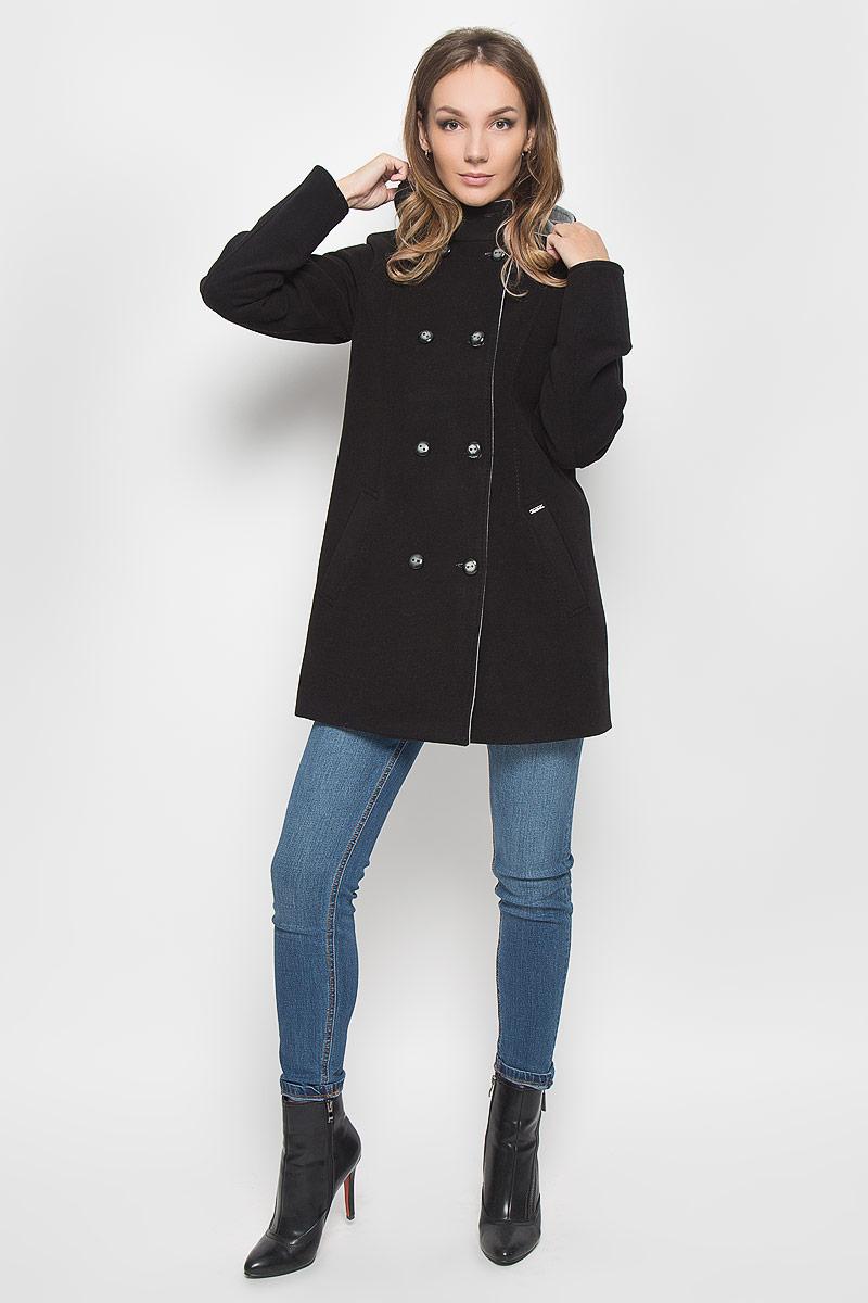 ПальтоA16-170580_200Удобное женское пальто Finn Flare согреет вас в прохладную погоду и позволит выделиться из толпы. Модель с длинными рукавами-реглан и несъемным капюшоном выполнена из эластичного полиэстера с добавлением вискозы, застегивается на пуговицы спереди. Изделие дополнено двумя втачными карманами спереди. Такое пальто надежно сохранит тепло и защитит вас от ветра и холода. Это модное и уютное пальто - отличный вариант для прогулок, оно подчеркнет ваш изысканный вкус и поможет создать неповторимый образ.