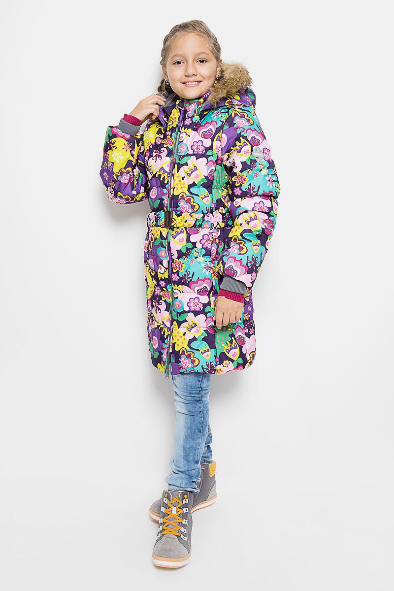 Пальто12030030-61320Стильное пальто для девочки Huppa Yacaranda идеально подойдет для ребенка в прохладное время года. Модель изготовлена из водоотталкивающей и ветрозащитной ткани и утеплена синтепоном (100% полиэстер). Пальто с капюшоном и небольшим воротником-стойкой застегивается на застежку-молнию с двумя бегунками и дополнительно имеет внутренний ветрозащитный клапан, а также защиту подбородка. Капюшон оформлен искусственным мехом и в случае необходимости его можно отстегнуть. Низ рукавов дополнен эластичными манжетами, не стягивающими запястья. Спереди модель дополнена двумя втачными карманами. Пальто дополнено съемным эластичным поясом. Модель оформлена ярким принтом, на левом рукаве расположена фирменная светоотражающая нашивка. Такое стильное пальто станет прекрасным дополнением гардеробу вашей девочки, оно подарит комфорт и тепло. Плотность утеплителя: 300 г/м2.