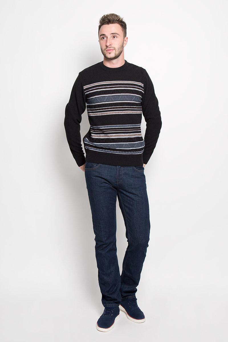 Джемпер1640Стильный мужской джемпер Finn Flare, выполненный из высококачественного материала, необычайно мягкий и приятный на ощупь, не сковывает движения, обеспечивая наибольший комфорт. Модель с круглым вырезом горловины и длинными рукавами идеально гармонирует с любыми предметами одежды и будет уместен и на отдых, и на работу. Низ изделия, горловина и манжеты связаны широкой резинкой, что предотвращает деформацию при носке. Мягкий и уютный джемпер станет прекрасным дополнением вашего гардероба.