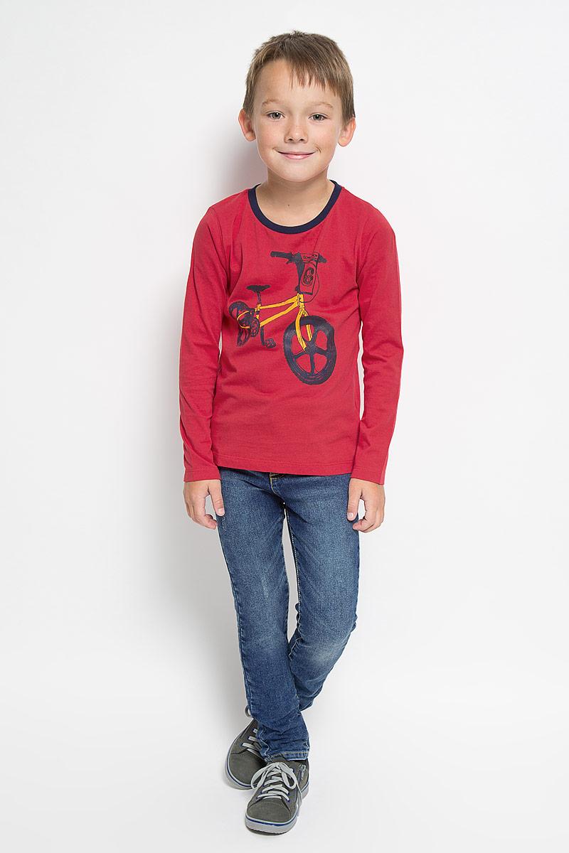 Футболка с длинным рукавом1035343.00.82_5516Лонгслив для мальчика Tom Tailor, выполненный из натурального хлопка, идеально подойдет для повседневной носки. Материал мягкий и приятный на ощупь, не сковывает движения и позволяет коже дышать, обеспечивая комфорт. Модель с круглым вырезом горловины и длинными рукавами оформлена изображением велосипеда и надписью. Вырез горловины дополнен мягкой трикотажной резинкой контрастного цвета. Современный дизайн, отличное качество и расцветка делают этот лонгслив стильным предметом детской одежды. Его обладатель всегда будет в центре внимания!