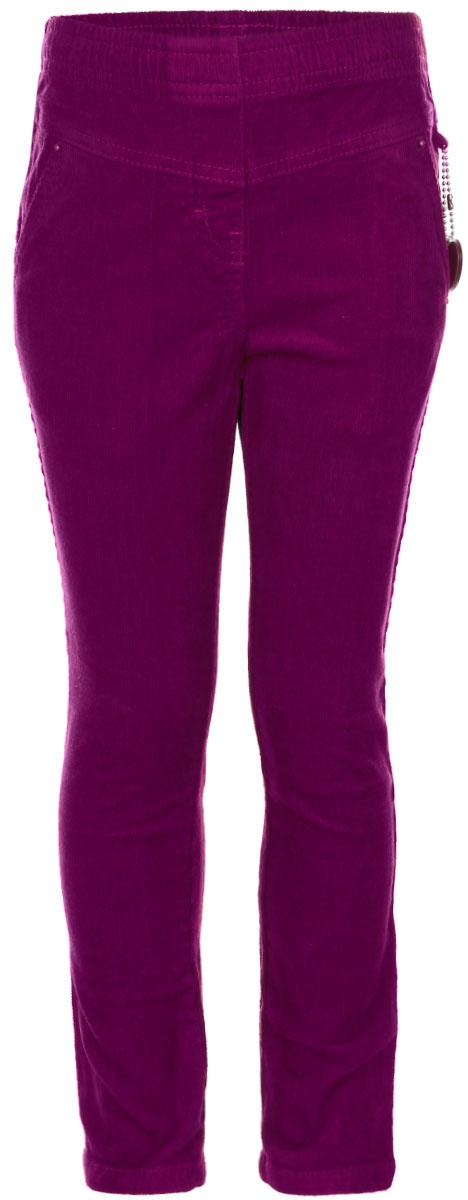 P-515/114-6372Стильные брюки Sela станут отличным дополнением к гардеробу вашей девочки. Изготовленные из натурального хлопка, они мягкие и приятные на ощупь, не сковывают движения ребенка и позволяют коже дышать, обеспечивая наибольший комфорт. Брюки прямого кроя на талии имеют широкую эластичную резинку. С внутренней стороны пояс дополнен затягивающимся шнурком. Спереди расположены два втачных кармана. Сбоку модель украшена декоративной подвеской. Современный дизайн и расцветка делают эти брюки стильным предметом детского гардероба. В них ваша девочка будет чувствовать себя уютно и комфортно и всегда будет в центре внимания!