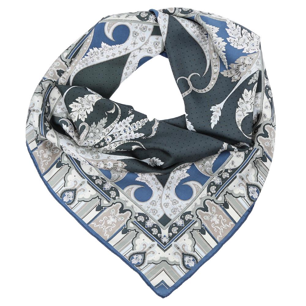 ПлатокCX1617-08-3Стильный платок станет прекрасным дополнением к вашему образу. Оформлен оригинальным принтом.