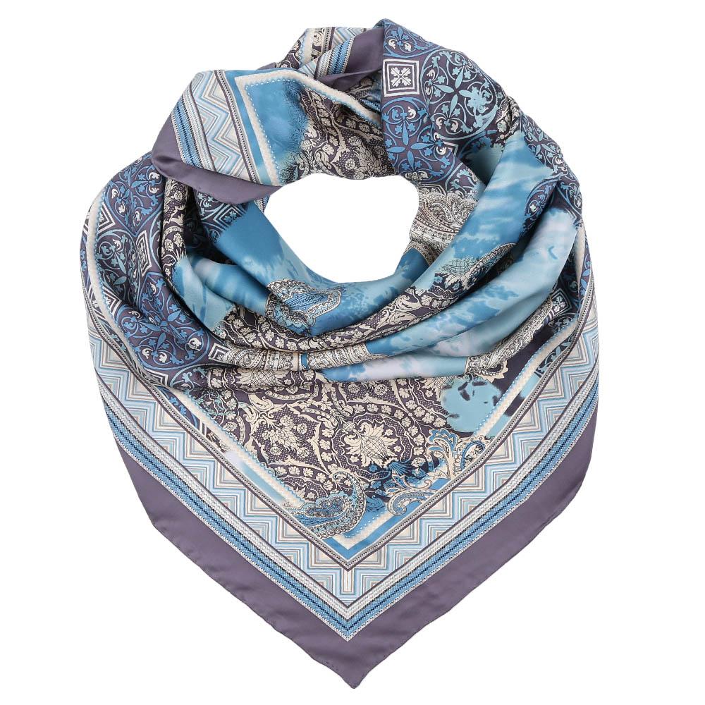 ПлатокCX1617-07-1Стильный платок станет прекрасным дополнением к вашему образу. Оформлен оригинальным принтом.