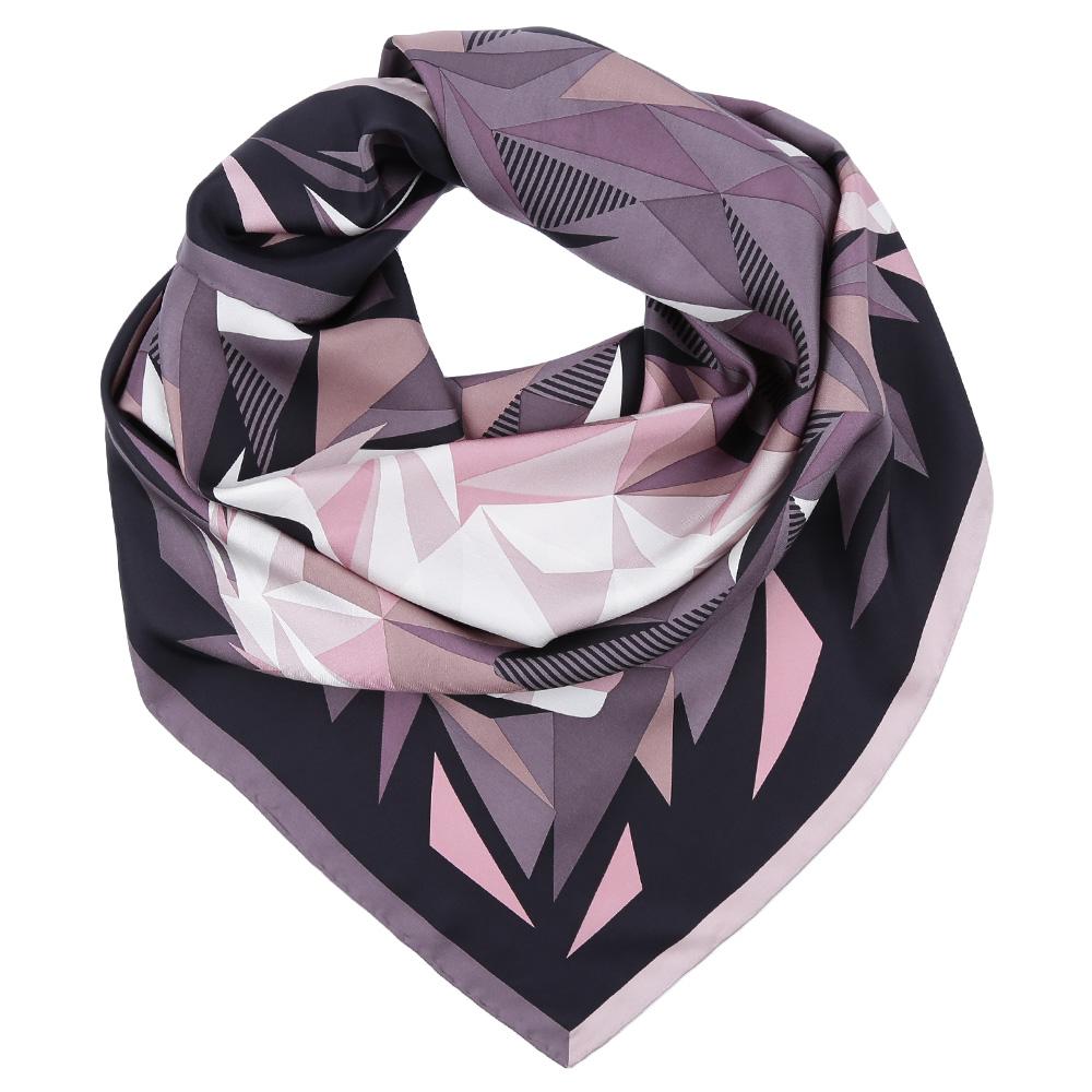 ПлатокCX1617-01-2Стильный платок станет прекрасным дополнением к вашему образу. Оформлен оригинальным принтом.