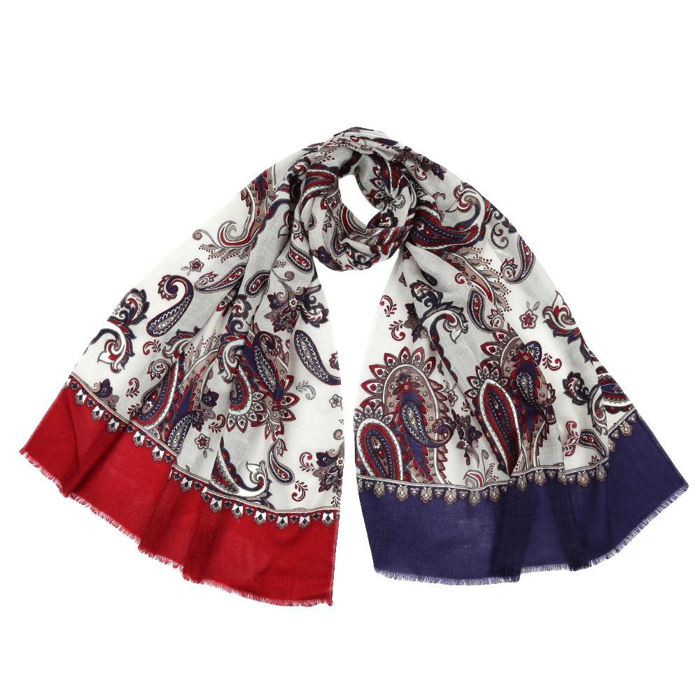 YNNT1626-12Стильный шарф поможет внести живость в любой образ, подарит уют и согреет от холодного ветра. Выполнен из высококачественного материала и оформлен оригинальным принтом.