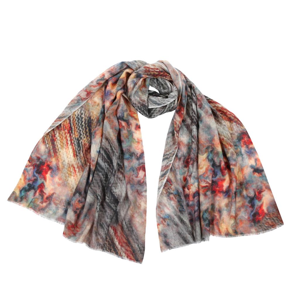 ШарфVT-535/B-1Стильный шарф поможет внести живость в любой образ, подарит уют и согреет от холодного ветра. Выполнен из высококачественного материала и оформлен оригинальным принтом.