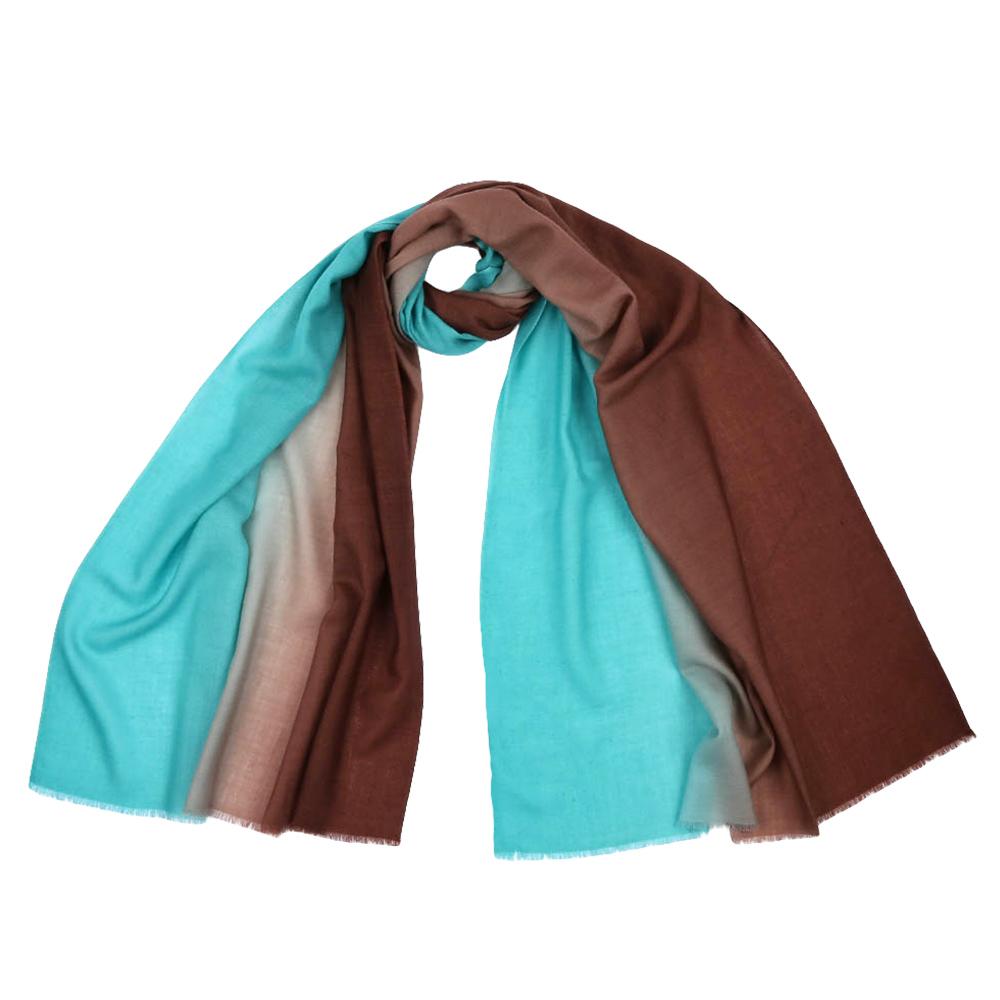 ШарфKW002-14Стильный шарф поможет внести живость в любой образ, подарит уют и согреет от холодного ветра. Выполнен из высококачественного материала.
