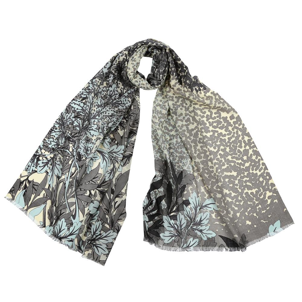 GL1602-1Стильный шарф поможет внести живость в любой образ, подарит уют и согреет от холодного ветра. Выполнен из высококачественного материала и оформлен оригинальным принтом.