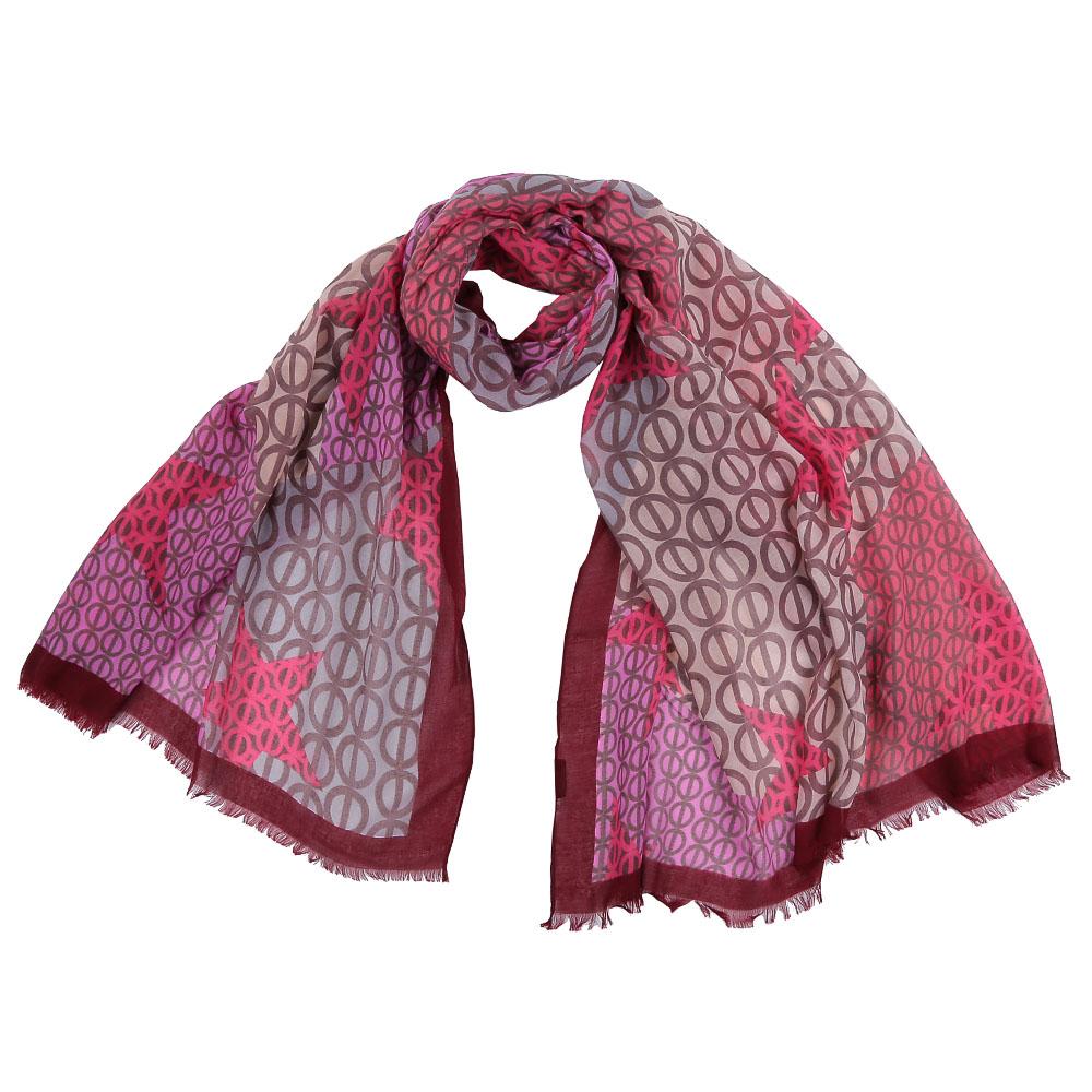 ШарфFR1505-1Стильный шарф поможет внести живость в любой образ, подарит уют и согреет от холодного ветра. Выполнен из высококачественного материала и оформлен оригинальным принтом.