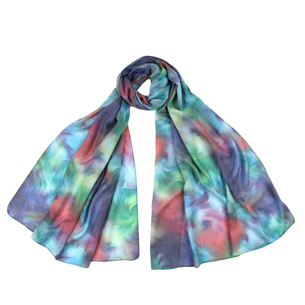 ШарфF1543-2Стильный шарф поможет внести живость в любой образ, подарит уют и согреет от холодного ветра. Выполнен из высококачественного материала и оформлен оригинальным принтом.