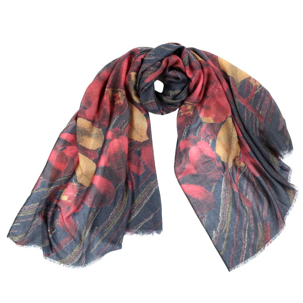 F1506-3Стильный шарф поможет внести живость в любой образ, подарит уют и согреет от холодного ветра.