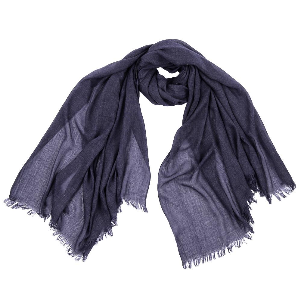 ШарфF1310-1Стильный шарф поможет внести живость в любой образ, подарит уют и согреет от холодного ветра. Выполнен из высококачественного материала.