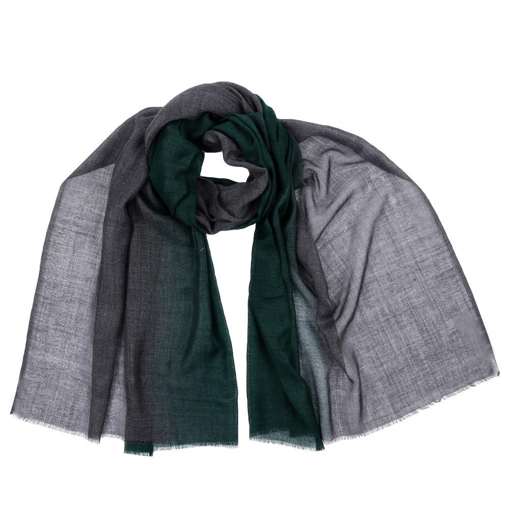 ШарфAA-5536-BlueСтильный шарф поможет внести живость в любой образ, подарит уют и согреет от холодного ветра. Выполнен из высококачественного материала и оформлен оригинальным принтом.