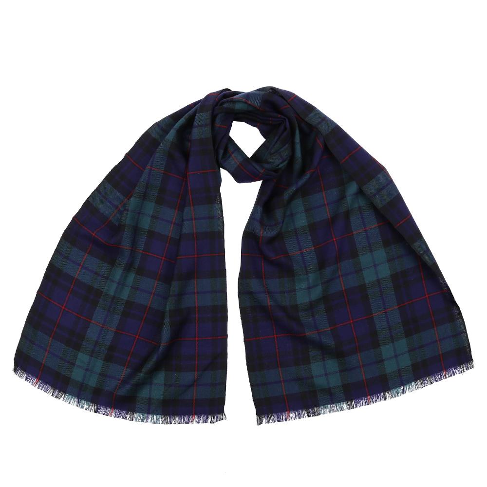 Шарф9172-1Стильный шарф поможет внести живость в любой образ, подарит уют и согреет от холодного ветра. Выполнен из высококачественного материала и оформлен оригинальным принтом.