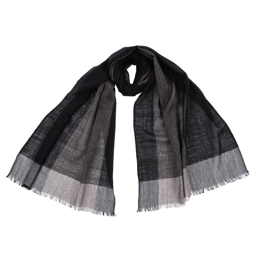 Шарф61218-1Стильный шарф поможет внести живость в любой образ, подарит уют и согреет от холодного ветра. Выполнен из высококачественного материала и оформлен оригинальным принтом.