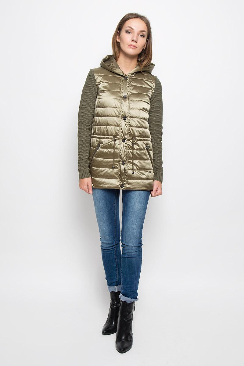 КурткаA16-32051_901Стильная женская куртка Finn Flare отлично подойдет для прохладной погоды. Модель с не отстегивающимся капюшоном и рукавами из плотного вязаного трикотажа застегивается на кнопки. Куртка на синтепоне выполнена из полиэстера с нейлоном на подкладке из 100% полиэстера. Изделие дополнено двумя прорезными карманами на застежках-молниях. На талии куртка затягивается на шнурок-кулиску. Эта модная куртка послужит отличным дополнением к вашему гардеробу!