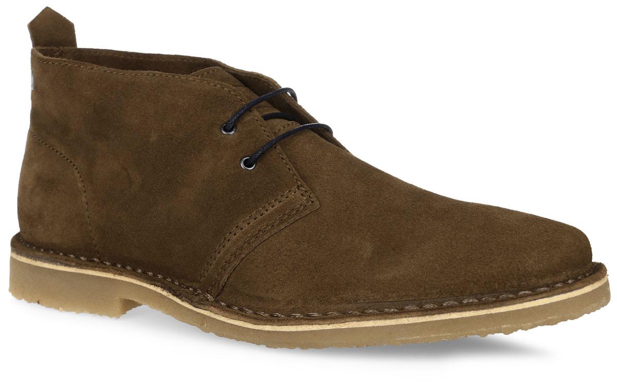Ботинки12110711_CognacСтильные мужские ботинки от Jack & Jones займут достойное место в вашем гардеробе. Модель выполнена из натуральной замши и оформлена вдоль ранта крупной прострочкой, на язычке - фирменным тиснением. Классическая шнуровка обеспечивает надежную фиксацию обуви на ноге. Внутренняя поверхность из натуральной замши и стелька из материала ЭВА с текстильной поверхностью комфортны при движении. Подошва с рифлением обеспечивает надежное сцепление с любой поверхностью. Модные ботинки займут достойное место в вашем гардеробе.