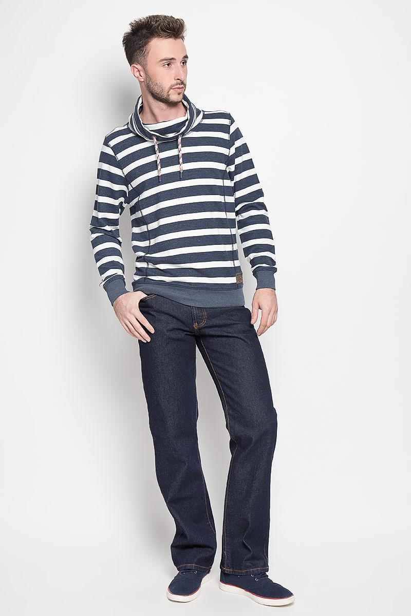10061 RWМужские джинсы Montana, выполненные из качественного хлопка, станут отличным дополнением к вашему гардеробу. Ткань плотная, тактильно приятная, позволяет коже дышать. Джинсы прямого кроя и средней посадки застегиваются на металлическую пуговицу в поясе и имеют ширинку на застежке-молнии, а также шлевки для ремня. Модель имеет классический пятикарманный крой: спереди - два втачных кармана и один маленький накладной, а сзади - два накладных кармана. Оформлены контрастной прострочкой. Отличное качество, дизайн и расцветка делают эти джинсы стильным и модным предметом мужской одежды.