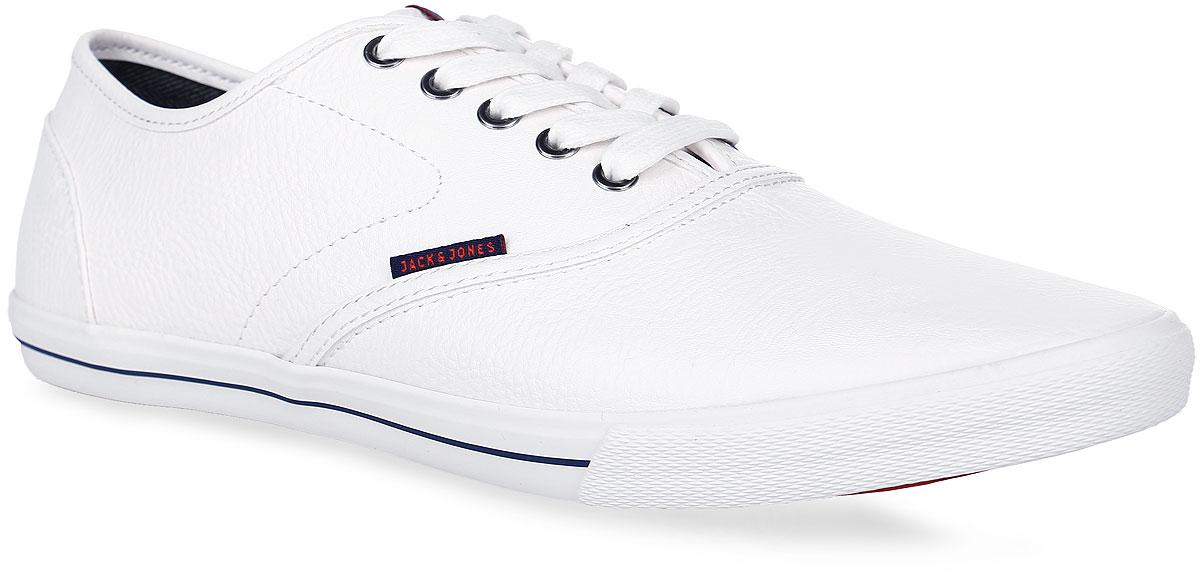 Кеды12110631_Bright WhiteСтильные мужские кеды от Jack & Jones займут достойное место в вашем гардеробе. Модель выполнена из искусственной кожи. Язычок оформлен фирменной нашивкой. Классическая шнуровка обеспечивает надежную фиксацию обуви на ноге. Подкладка из текстиля и стелька из материала ЭВА с текстильной поверхностью комфортны при движении. Подошва с рифлением обеспечивает надежное сцепление с любой поверхностью. Модные кеды займут достойное место в вашем гардеробе.