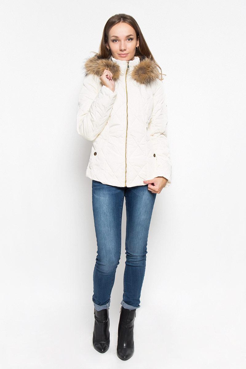КурткаA16-12026_711Стильная женская куртка Finn Flare подчеркнет креативность вашего вкуса. Модель приталенного кроя с отстегивающимся капюшоном застегивается на застежку-молнию. Капюшон дополнен съемной опушкой из натурального меха енота. Утеплитель - синтепон. Куртка дополнена двумя боковыми карманами на застежках-кнопках. Эта модная куртка послужит отличным дополнением к вашему гардеробу.