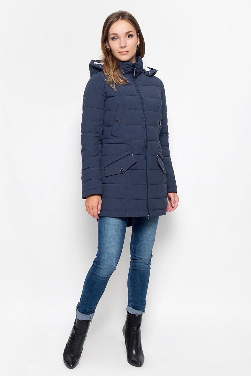 ПальтоA16-170140_101Удобное женское пальто Finn Flare согреет вас в холодную погоду и позволит выделиться из толпы. Модель с длинными рукавами и воротником-стойкой выполнена из прочного материала, застегивается на молнию спереди. Пальто имеет съемный капюшон на кнопках, объем которого регулируется при помощи шнурка-кулиски со стопперами. Изделие дополнено двумя втачными карманами на застежках-кнопках и двумя втачными карманами на застежках-молниях, декорированных клапанами на кнопках. На талии пальто дополнено скрытым шнурком-кулиской. Наполнитель из синтепона надежно сохранит тепло, благодаря чему такое пальто защитит вас от ветра и холода. Это модное и в то же время комфортное пальто - отличный вариант для прогулок, оно подчеркнет ваш изысканный вкус и поможет создать неповторимый образ.