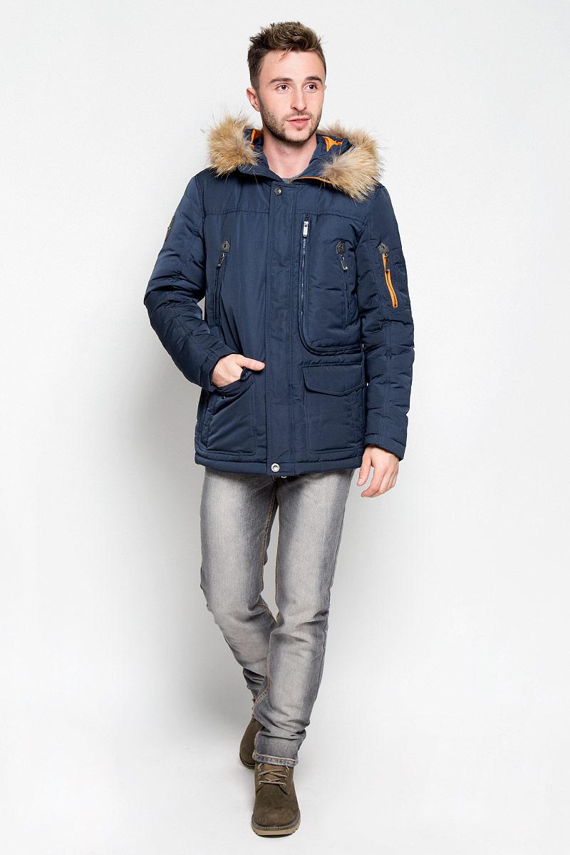 КурткаA16-22008_101Стильная мужская куртка Finn Flare превосходно подойдет для прохладных дней. Куртка выполнена из полиэстера, она отлично защищает от дождя, снега и ветра, а наполнитель из пуха и пера превосходно сохраняет тепло. Модель с длинными рукавами и несъемным капюшоном застегивается на застежку-молнию спереди и имеет ветрозащитный клапан на кнопках. Объем капюшона регулируется при помощи шнурка-кулиски со стопперами. Изделие дополнено двумя втачными карманами с клапанами на кнопках, двумя втачными карманами на кнопках, вместительным карманом на молнии с внутренним сетчатым отделением и двумя втачными карманами на застежках-молниях спереди, а также внутренним накладным карманом на липучке, накладным карманом на пуговице и втачным карманом на молнии. На рукаве расположены три накладных кармашка и втачной карман на застежке-молнии. Рукава дополнены внутренними трикотажными манжетами. На талии и по низу куртка оснащена шнурками-кулисками со стопперами. Эта модная и в то же время...