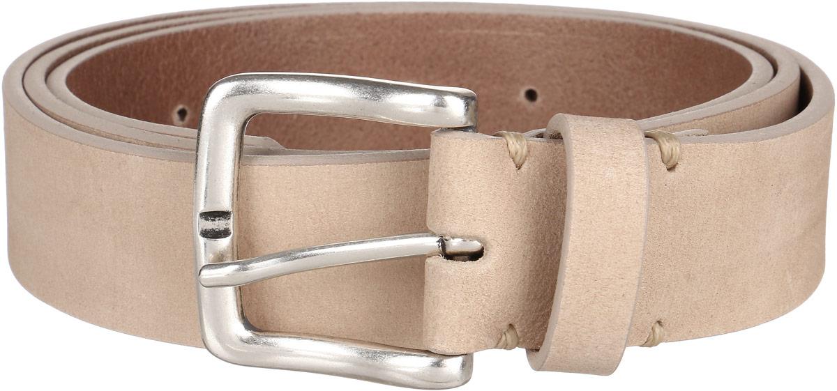 РеменьLB0450HAСтильный мужской ремень Wrangler станет великолепным дополнением к любому образу. Ремень изготовлен из натуральной кожи и оформлен металлической пряжкой серебристого цвета. Такой ремень идеально подойдет к джинсам. Такой ремень станет великолепным дополнением к образу в стиле casual.