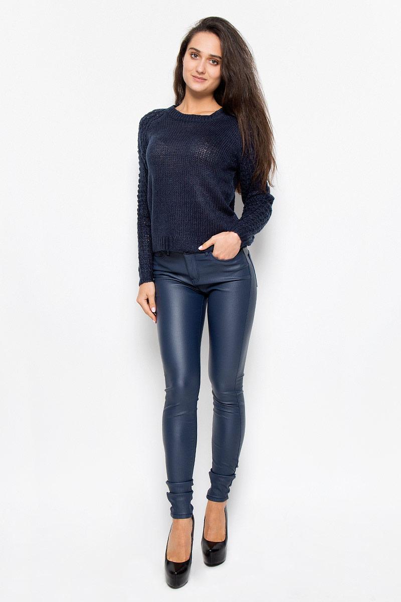 Джемпер10157940_Fired BrickСтильный женский джемпер Vero Moda, выполненный из акриловой пряжи, необычайно мягкий и приятный на ощупь, не сковывает движения, обеспечивая наибольший комфорт. Изделие с круглым вырезом горловины и длинными рукавами-реглан идеально будет сочетаться как с брюками, так и с юбкой. Горловина, манжеты и низ изделия связаны резинкой. Мягкий и уютный джемпер станет любимым элементом вашего гардероба.