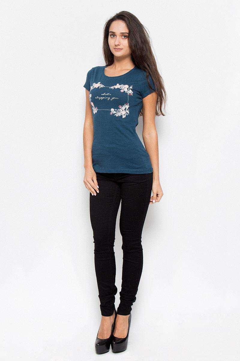 Футболка1035762.02.71_8005Стильная женская футболка Tom Tailor Denim, выполненная из 100% хлопка, будет отличным дополнением к вашему гардеробу. Модель с круглым вырезом горловины и короткими рукавами оформлена водным цветочным принтом и надписью Whats Stopping You. Классический покрой, безукоризненное качество. Идеальный вариант для тех, кто ценит комфорт и качество.