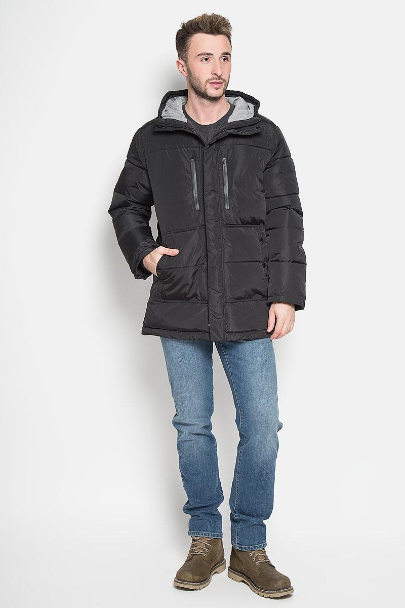 КурткаCp-226/358-6313Стильная мужская куртка Sela Casual Wear превосходно подойдет для прохладных дней. Куртка выполнена из полиэстера, она отлично защищает от дождя, снега и ветра, а наполнитель из синтепона превосходно сохраняет тепло. Модель с длинными рукавами и несъёмным капюшоном застегивается на застежку-молнию спереди и имеет ветрозащитный клапан на липучках и кнопках. Объем капюшона регулируется при помощи шнурка-кулиски. Изделие дополнено двумя втачными карманами на кнопках и двумя втачными карманами на застежках-молниях спереди, а также внутренним накладным карманом на молнии. Рукава дополнены внутренними трикотажными манжетами. По низу куртка дополнена шнурком-кулиской. Эта модная и комфортная куртка согреет вас в холодное время года и отлично подойдет как для прогулок, так и для активного отдыха.