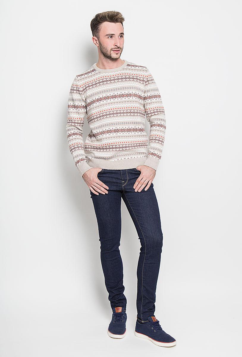 16052934_Dark Blue DenimМодные мужские джинсы Selected Homme - это джинсы высочайшего качества, которые прекрасно сидят. Они выполнены из высококачественного эластичного хлопка с добавлением полиэстера, что обеспечивает комфорт и удобство при носке. Джинсы-скинни заниженной посадки станут отличным дополнением к вашему современному образу. Джинсы застегиваются на пуговицу в поясе и ширинку на пуговицах, дополнены шлевками для ремня. Джинсы имеют классический пятикарманный крой: спереди модель дополнена двумя втачными карманами и одним маленьким накладным кармашком, а сзади - двумя накладными карманами. Эти модные и в то же время комфортные джинсы послужат отличным дополнением к вашему гардеробу.